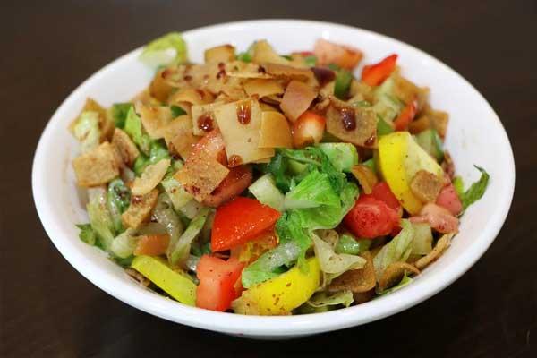 Salade orientale (Fatouche), par Cuisine-at-home Traiteur Yvelines Traiteur Saint-Germain-en-Laye