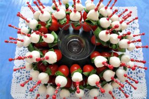 Bouquet tomates mozzarella basilic, par Cuisine at home, Traiteur Yvelines Traiteur Saint-germain-en-Laye