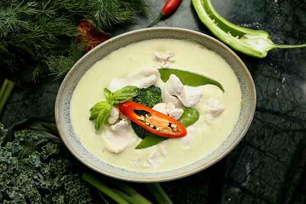 Canard au curry vert, par Cuisine-at-home, Cours de cuisine Saint-Germain-en-Laye Cours de cuisine Yvelines