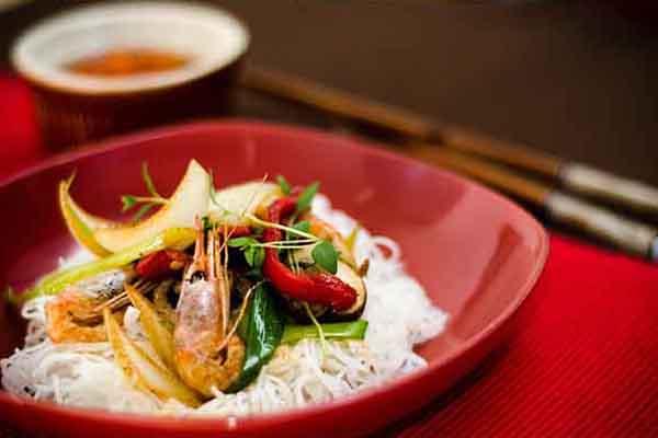 Crevettes au curry rouge, par Cuisine-at-home, Cours de cuisine Saint-Germain-en-Laye Cours de cuisine Yvelines