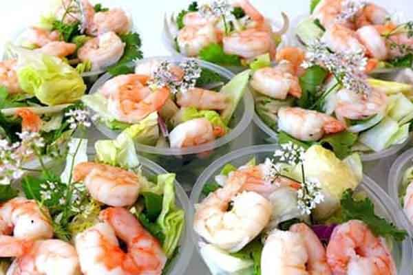 Salade thaïlandaise aux crevettes, par Cuisine-at-home, Cours de cuisine Saint-Germain-en-Laye Cours de cuisine Yvelines